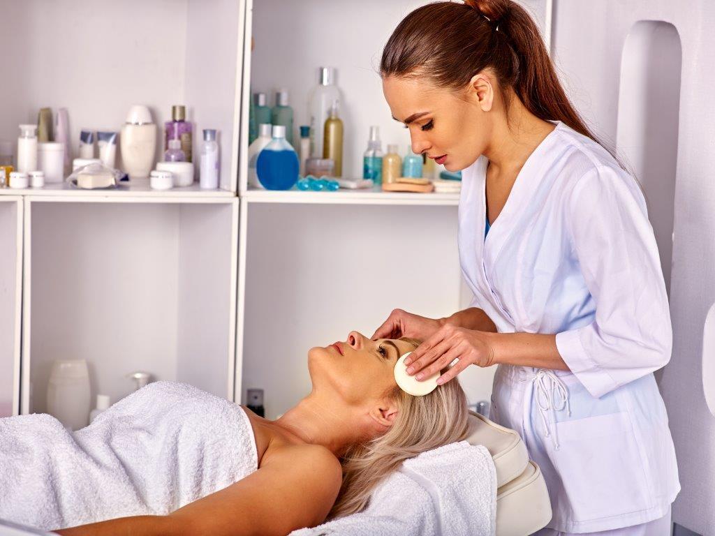 estetista pulizia pelle